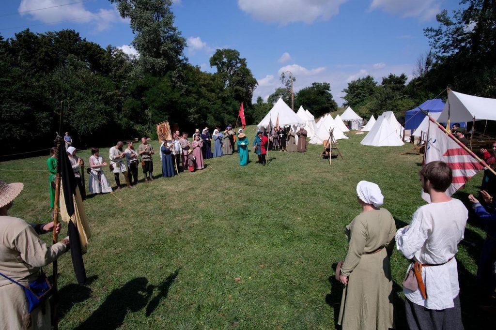 Średniowieczny obóz w Nowicach, widok na obóz